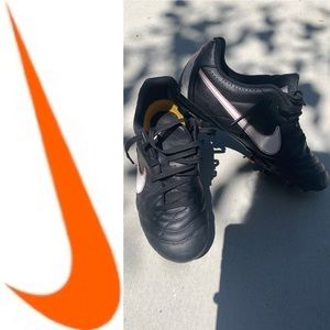 Nike girl cleats 3 toddler soccer sports tiempo
